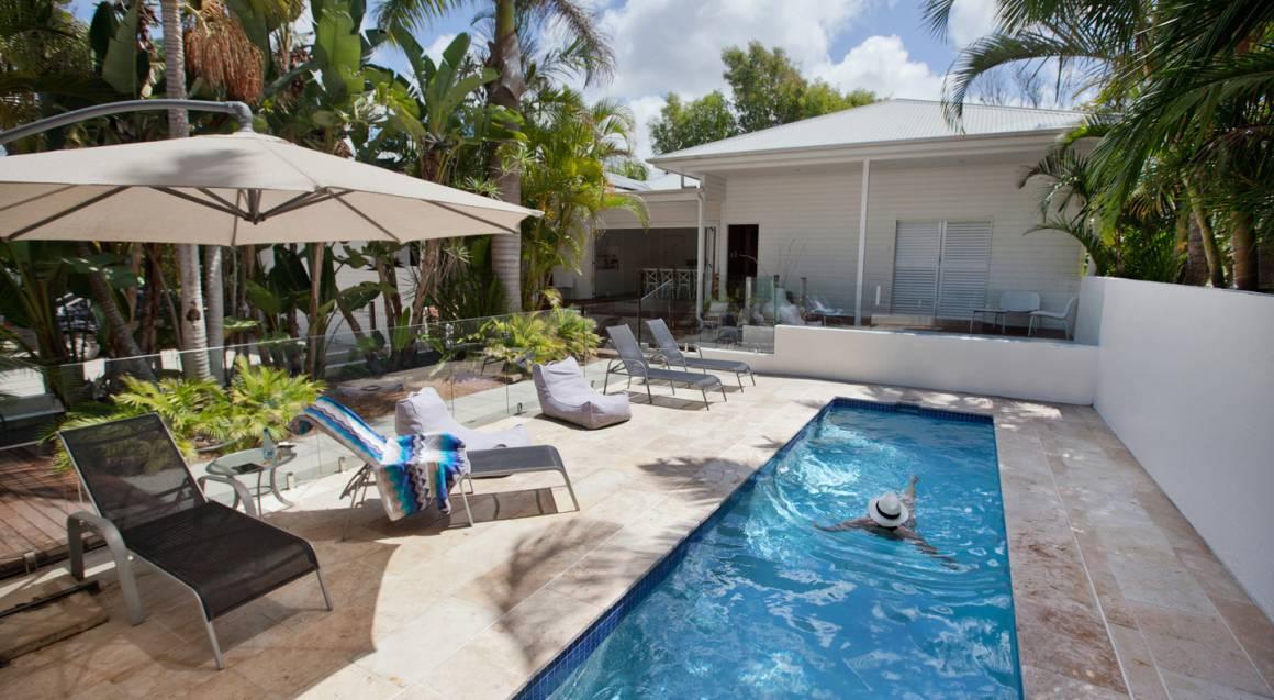 Byron Cove Beach House outdoor pool