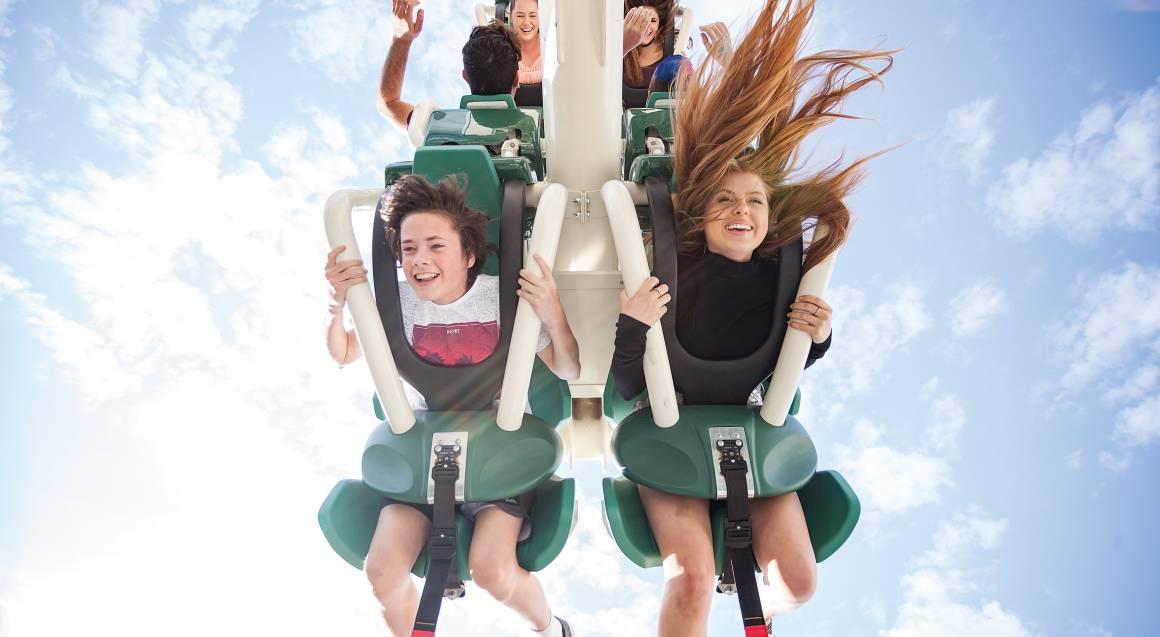 children on ride at movie world gold coast