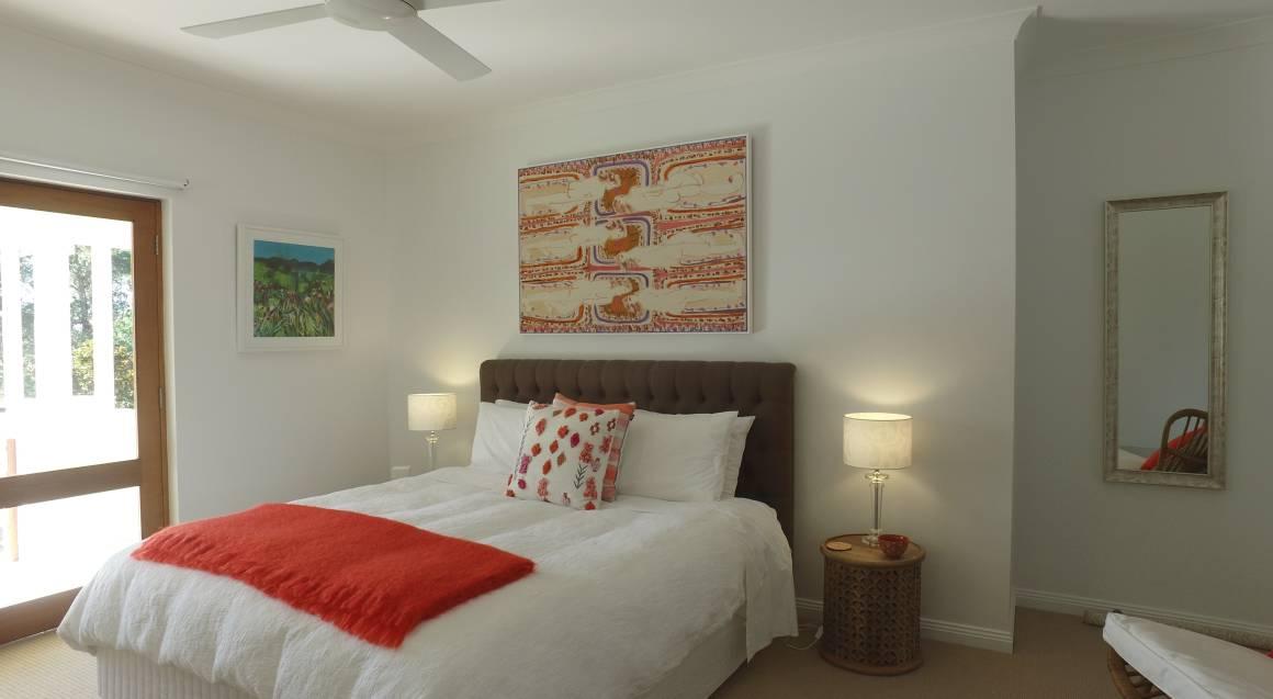 bedroom at ridge retreat mollymook