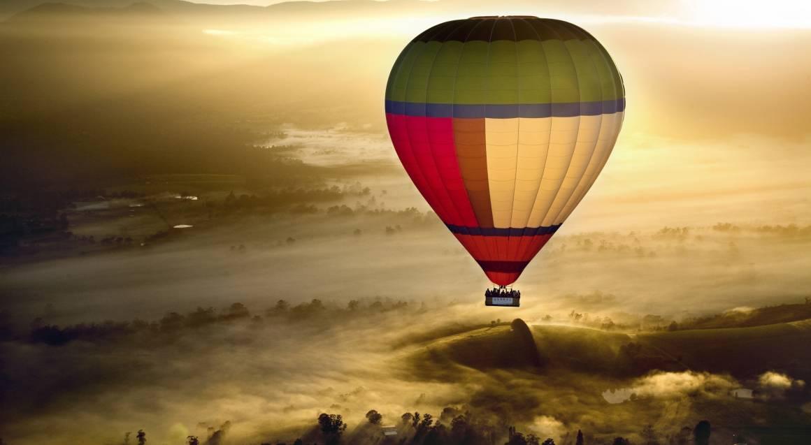Yarra Valley Ballooning Getaway with Dinner - Weekend