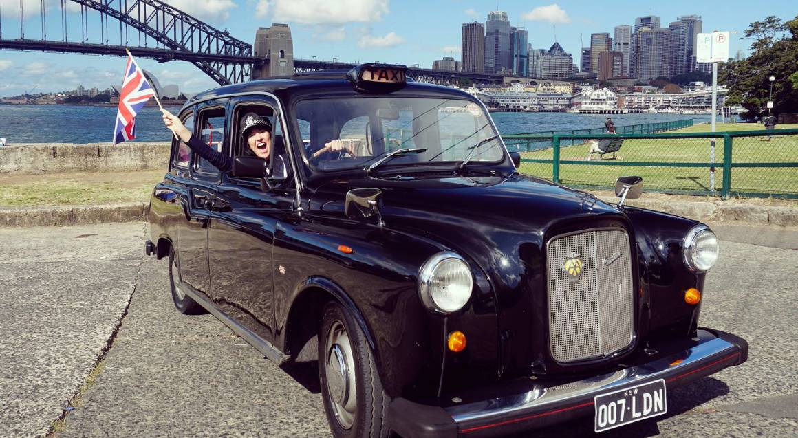 Classic London Black Cab Ride - Up to 6 Passengers