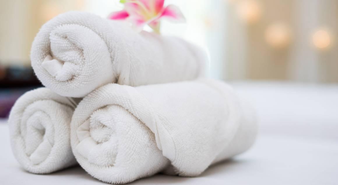 Aromatherapy Body Massage and Back Polish