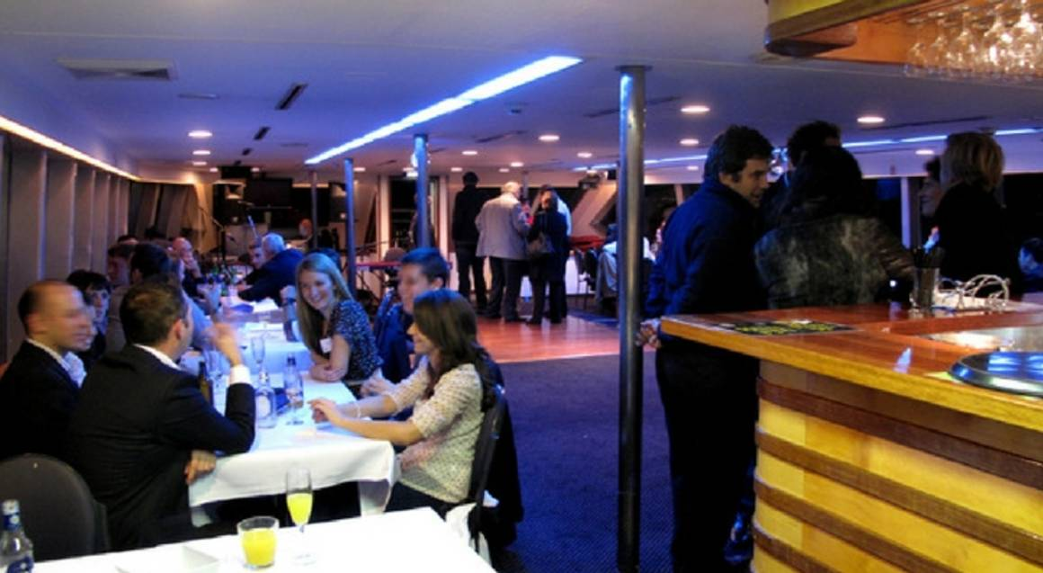 Sydney Harbour Dinner and Latino Show Cruise