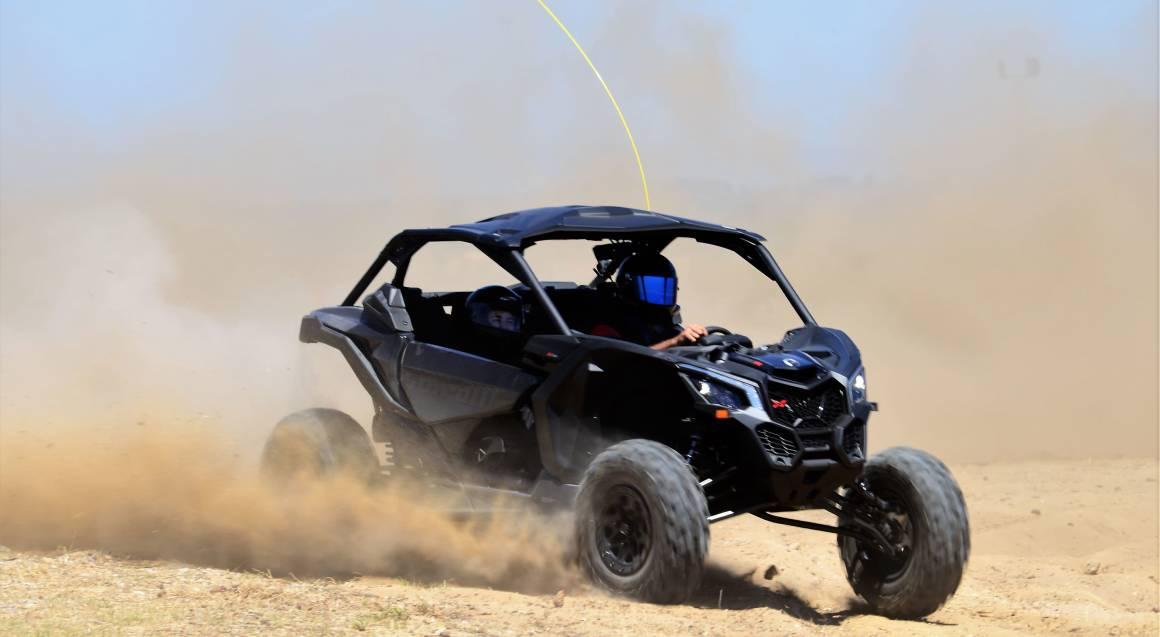 Can-Am Maverick X3 pair off road driving