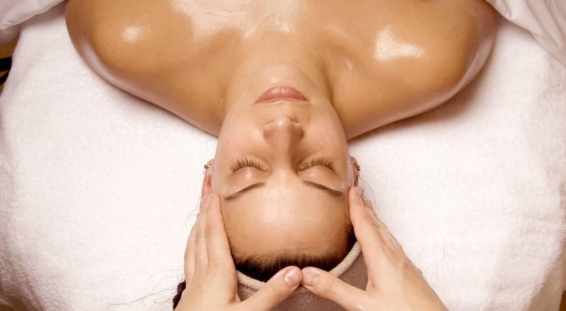 Swedish Full Body Massage and Rejuvenating Facial - 2 Hours