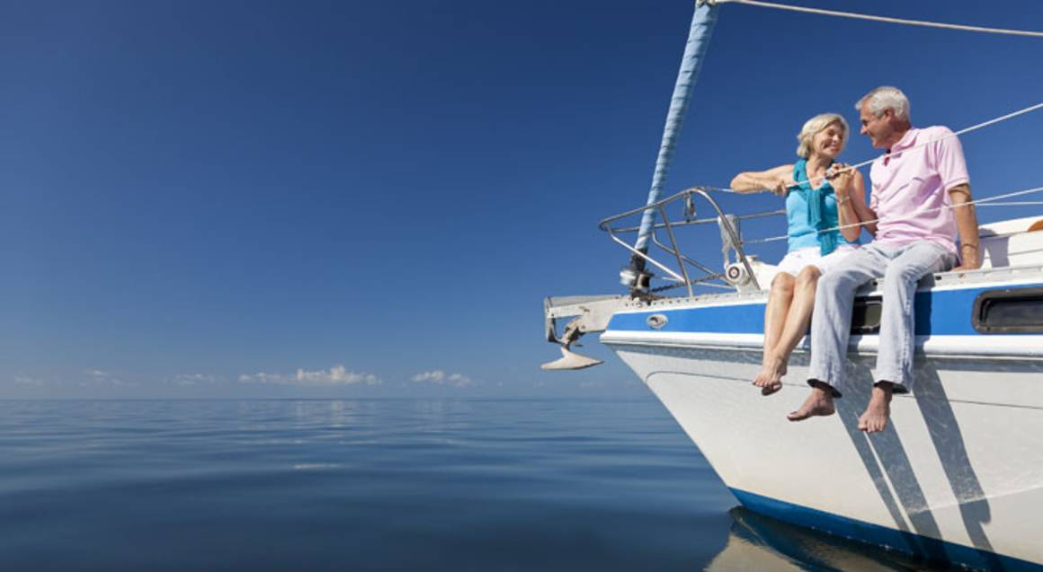 Exclusive Sailing Cruise with Seafood Lunch & Bubbly - For 2