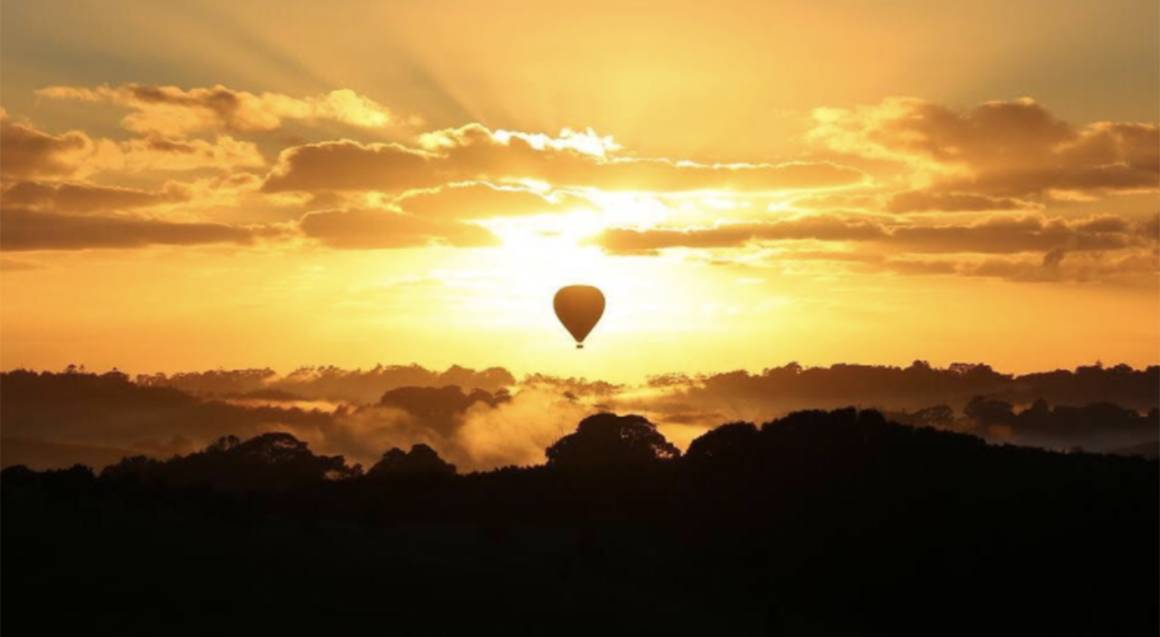 Private Hot Air Ballooning with Champagne Breakfast - For 2