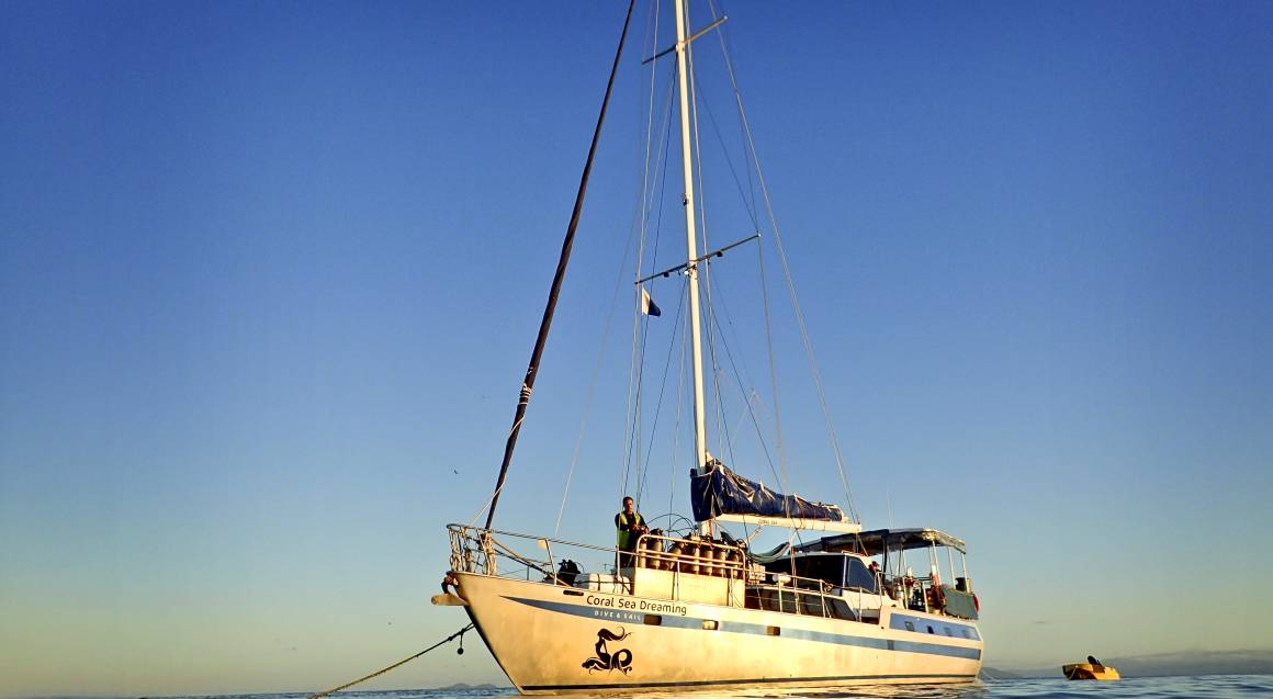 Overnight Sailing and Snorkelling Adventure to Outer Reef