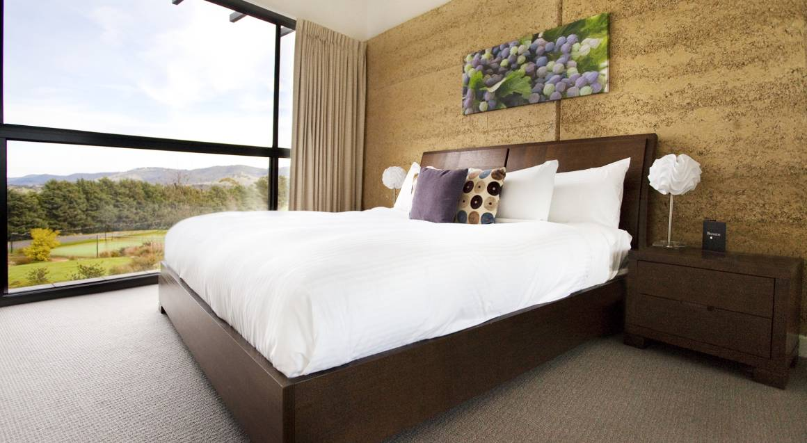 Overnight Yarra Valley Getaway with Breakfast - Weekday