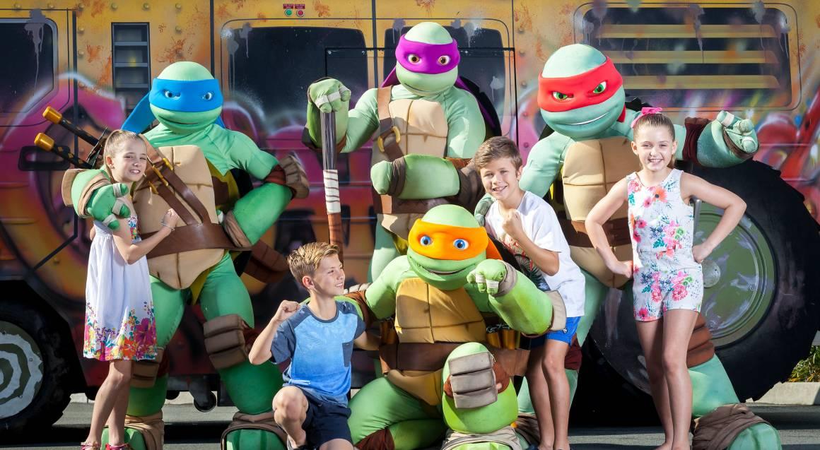 children with ninja turtles sea world