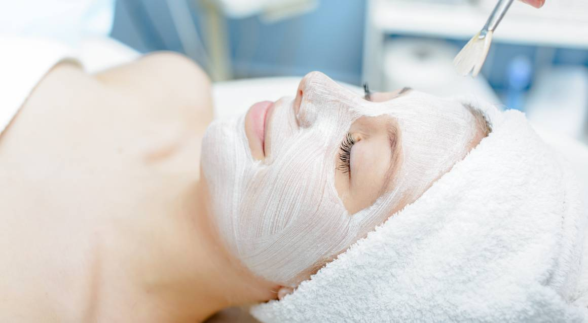 Facial Treatment at Home - 60 Minutes
