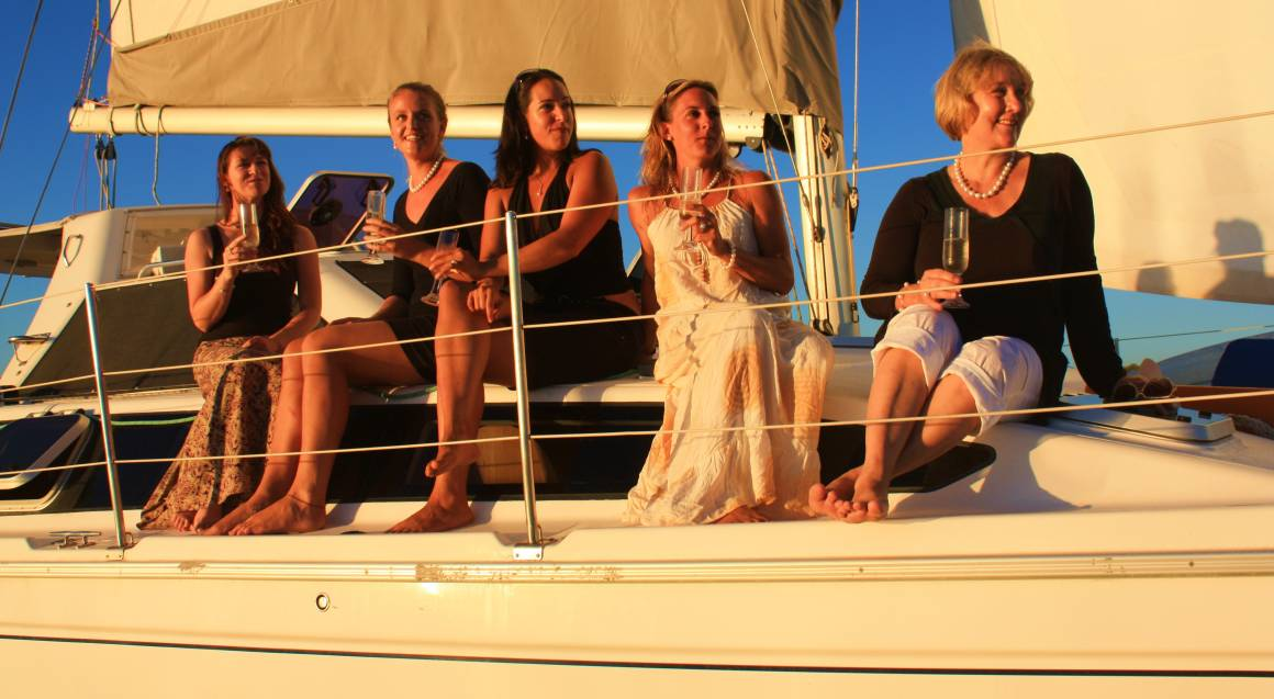 Swan River Twilight Sail with Bubbles and Nibbles - Weekday