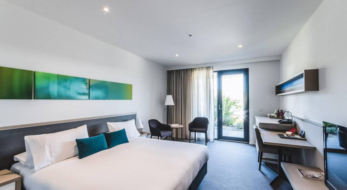 interior of bedroom at flinders hotel