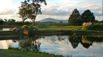 overnight stay at gisborne peak winery and golf for 2. Black Bedroom Furniture Sets. Home Design Ideas