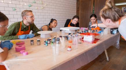 RedBalloon Resin Art Workshop - Richmond, VIC