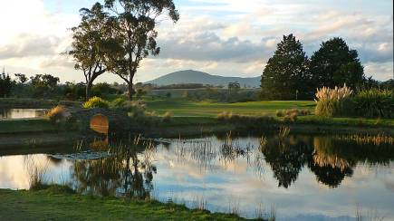 RedBalloon Overnight Stay at Gisborne Peak Winery and Golf - For 2