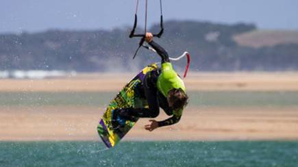 RedBalloon Beginners Kiteboarding Lesson - St Kilda