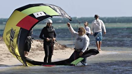 RedBalloon Kitesurfing for Beginners - Lesson