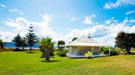 RedBalloon Overnight Chalet Getaway on Slipper Island - For 2