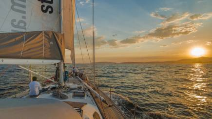 RedBalloon Summer Sailing Yacht Racing at Twilight (Oct - Dec)