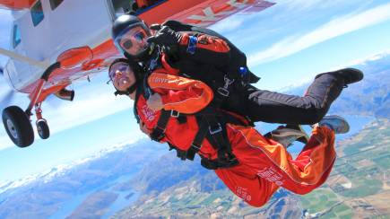 RedBalloon Tandem Skydive Over Wanaka - 9,000ft