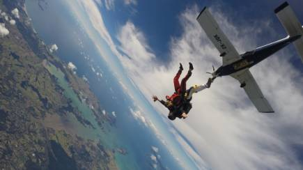 RedBalloon Tandem Skydive Over Bay of Islands 9,000ft