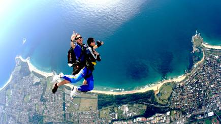 RedBalloon Skydive Over The Beach - 15,000ft - Weekday