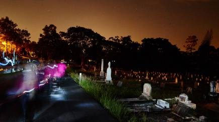 RedBalloon Toowong Cemetery Ghost Tour - 2 Hours