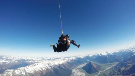 RedBalloon Glenorchy Tandem Skydive with Queenstown Transfers - 15000ft