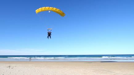 RedBalloon Tandem Skydive at Sunshine Coast - 15,000ft - Weekend