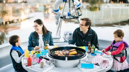 RedBalloon 2 Hour BBQ Boat Rental - Up to 5 People