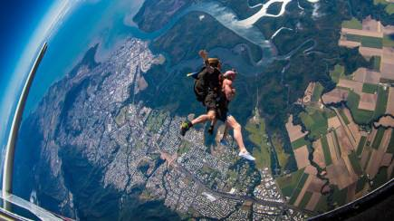 RedBalloon Skydive over Byron Bay - 15,000ft - Weekend