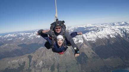 RedBalloon Glenorchy Tandem Skydive with Queenstown Transfers - 12000ft