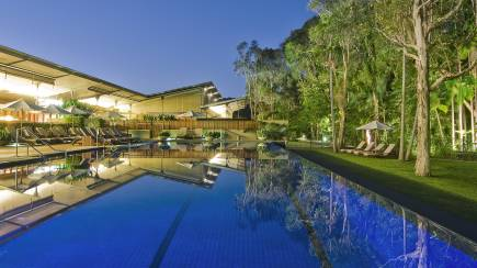 RedBalloon Byron Bay Overnight Getaway with Breakfast and Wine - For 2