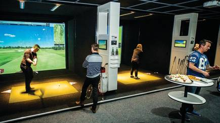 RedBalloon Realistic Golf Simulator - Camperdown - 3 Hours