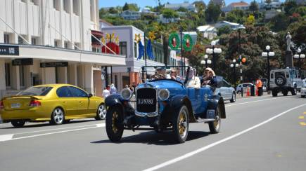 RedBalloon Private Half Day Bespoke Vintage Car Tour of the Hawke's Bay