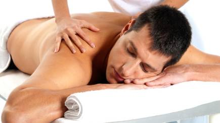 RedBalloon Good As Gold Men's Massage and Scrub - 60 Mins