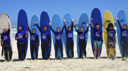 RedBalloon Learn To Surf Lesson - 2 Hour - Adult