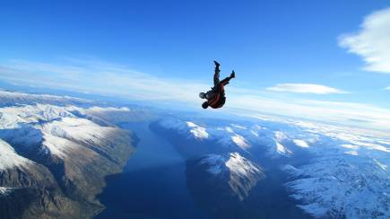 RedBalloon Tandem Skydive Over Queenstown - 9,000ft