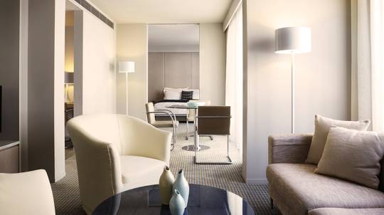 5 Star Overnight Getaway with Massage and Champagne - For 2