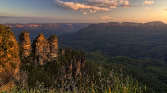 Scenic Helicopter Flight to Blue Mountains - 90 Minutes