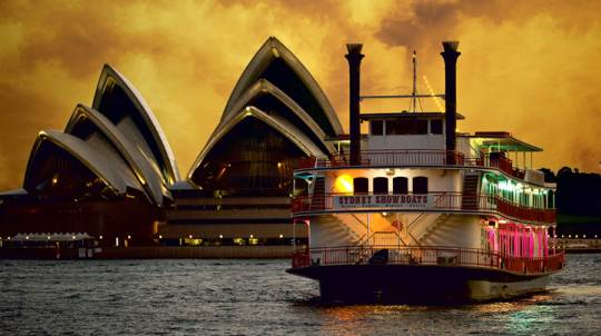Sydney Harbour Cabaret Dinner Cruise with Drinks
