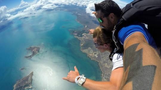 Tandem Skydive 14,000ft - Airlie Beach