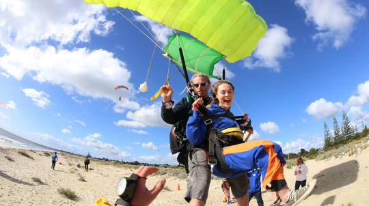 14,000ft Cable Beach Broome Tandem Skydive