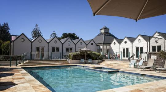 Portsea Family Getaway with Breakfast Hamper - 2 Nights