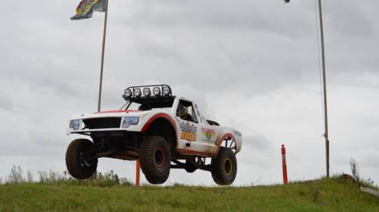 V8 Buggy and Trophy Truck Driving - 16 Laps + 2 Hot Laps