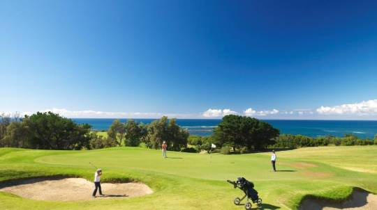 Overnight Getaway with Breakfast and Golf - Midweek - For 2