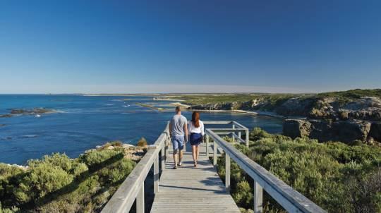 Mount Gambier Caves to Coast Tour with Lunch - Full Day