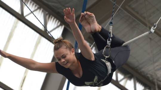 Indoor Flying Trapeze Class with Photo CD - 2 Hour