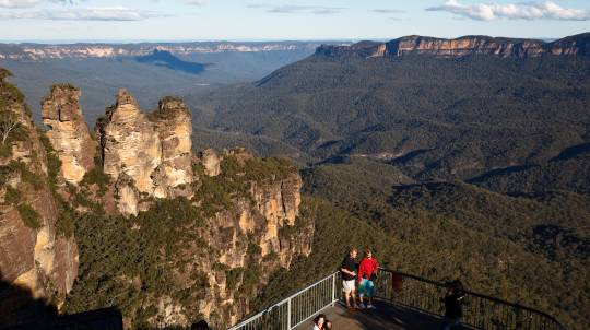 2 Day Blue Mountains, Port Stephens and Hunter Valley Tour